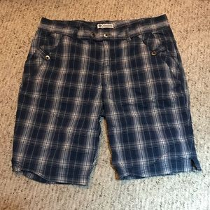 Columbia Women's Gray Plaid Shorts Size 10